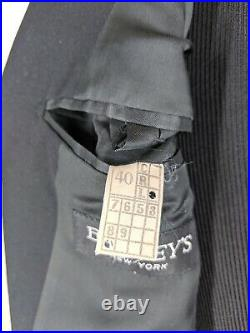 Barneys NY Vintage Solid Black Double Breasted 100% Wool Suit No Vents 40 Long